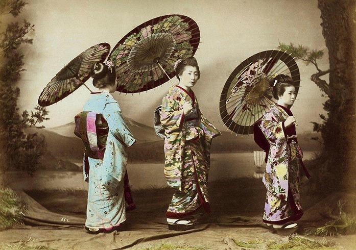 4 мая – день рождения складного зонтика. Всё о зонтах.
