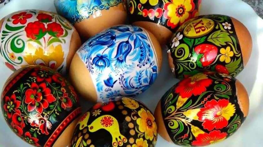 Как красиво покрасить яйца на Пасху